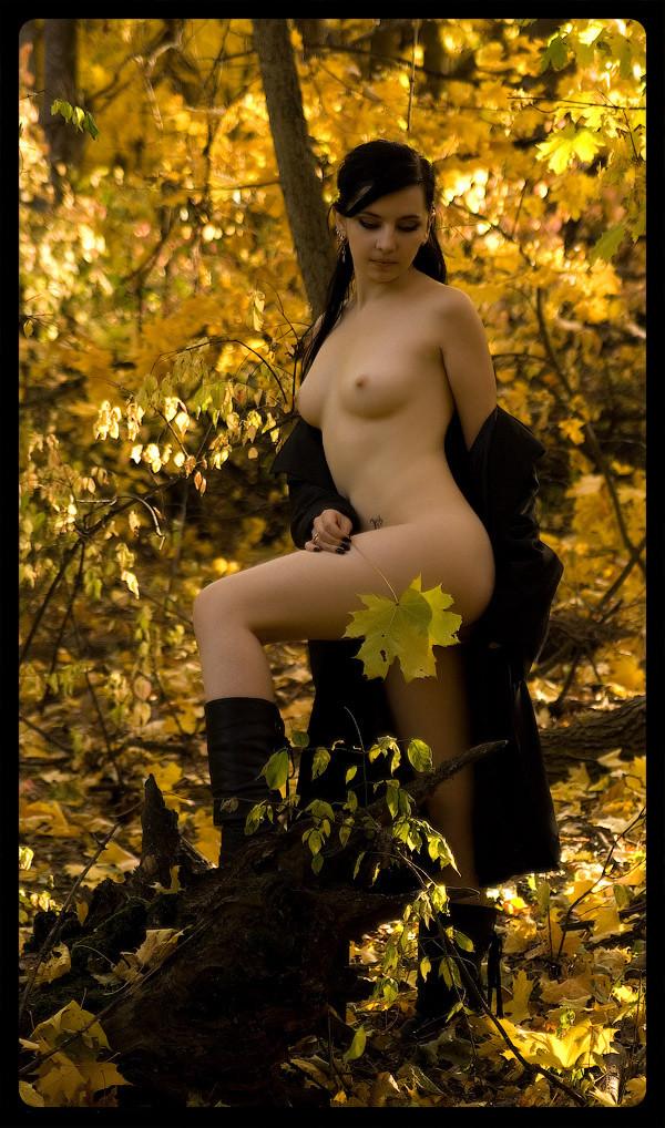 картинки девушек на фоне осени голых