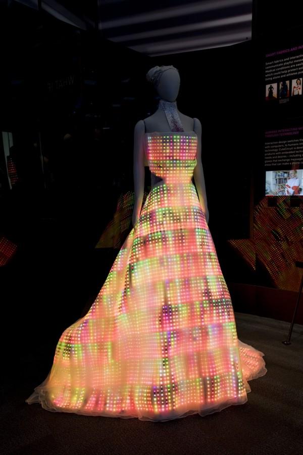 Смотреть необычное платье