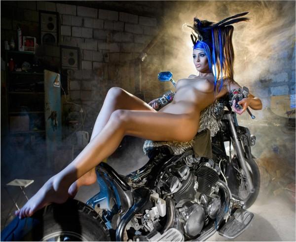 фото эротика девушки на мотоциклах