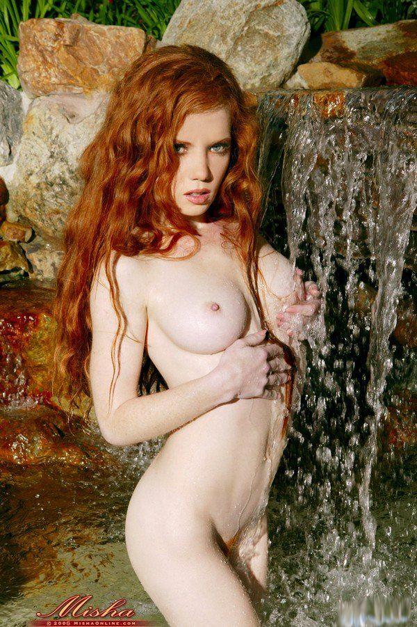 Сексуальная рыжая китаянка