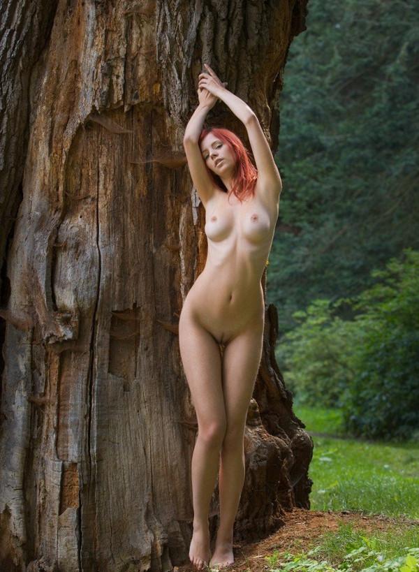 порно красивые девчонки в лесу