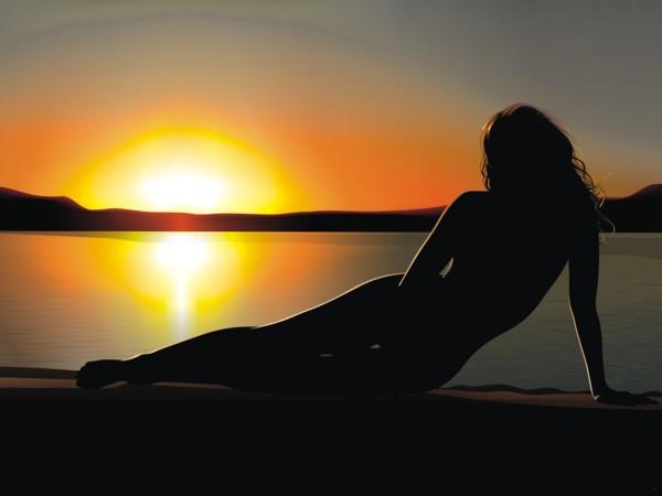 Красивый силуэт голой женщины, камера бане онлайн