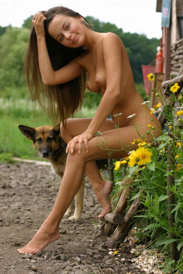 Обнаженные Девушки С Собакой Немецкой Овчаркой Фото